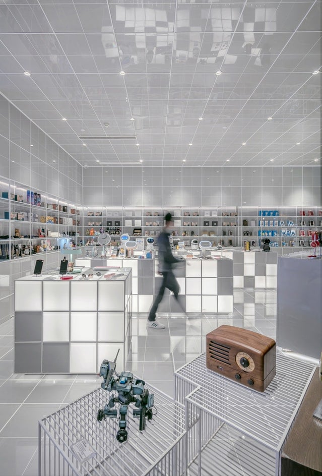 Entretien - quels sont les points d'usure de votre magasin ? - logiciel de maintenance GMAO - espace de vente, décoration, architecte d'intérieur, merchandising, blanc, tech