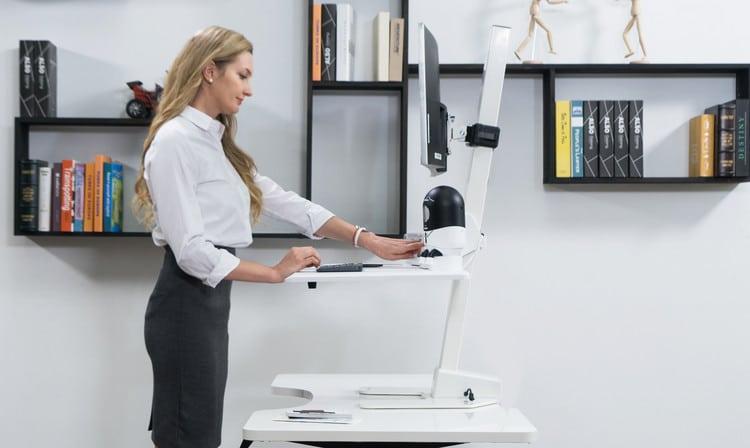 Gaze Desk - Le bureau connecté : l'avenir de l'espace de travail - Virtual Reality exhibition - Bob! Desk, logiciel de maintenance, GMAO, logiciel SAAS