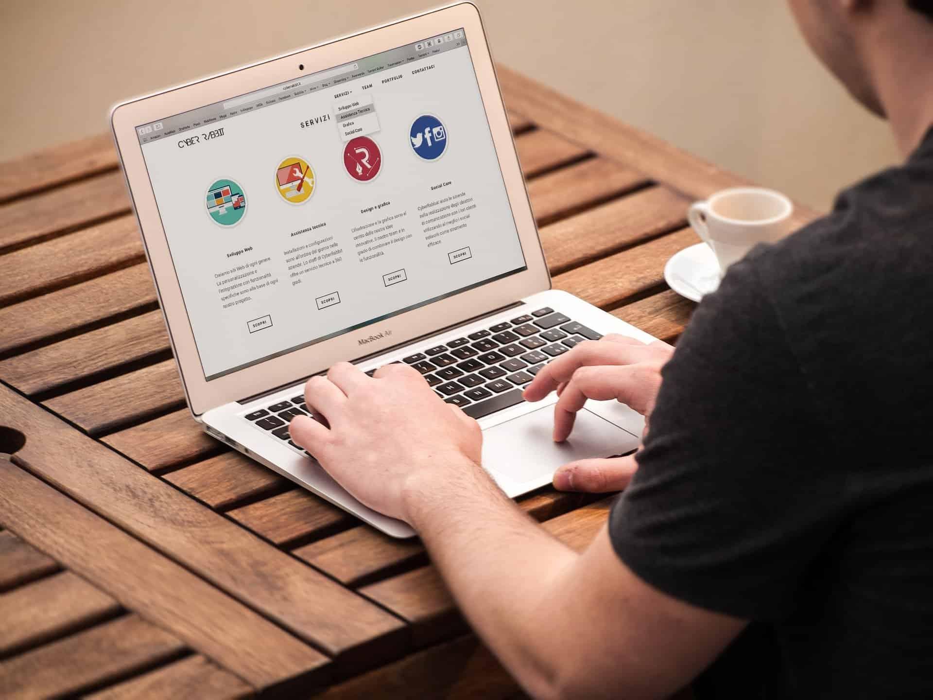 Logiciel de GMAO gratuit ou open source : est-ce l'idéal pour votre entreprise ? - vu logiciel - Bob Desk