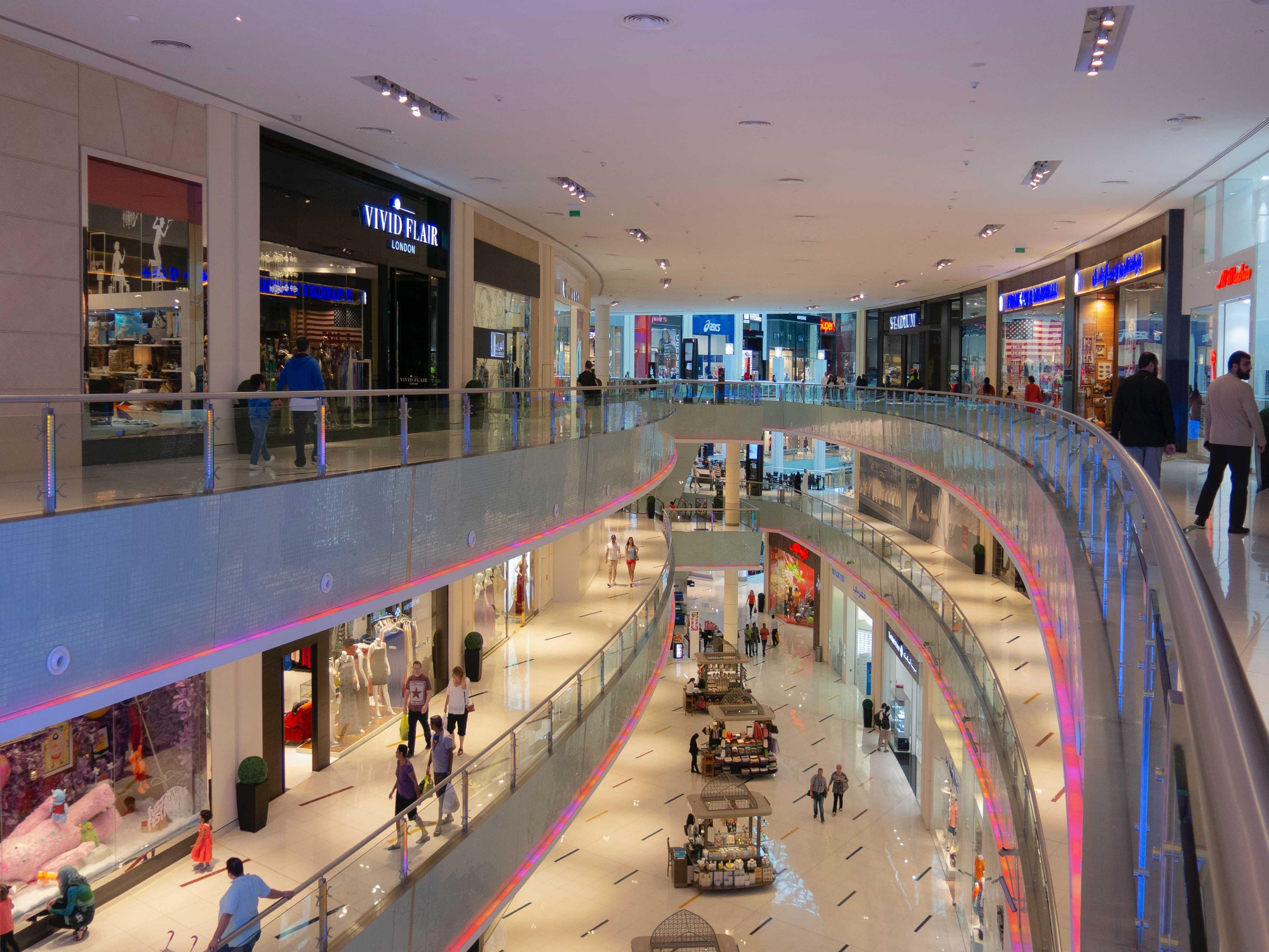 Bob Desk - Cas client retail - photo centre commercial